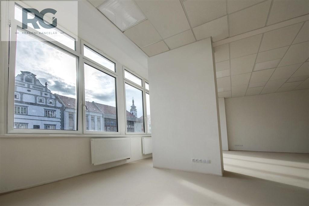 Prodej komerčního prostoru 91 m2, Velké náměstí, Písek